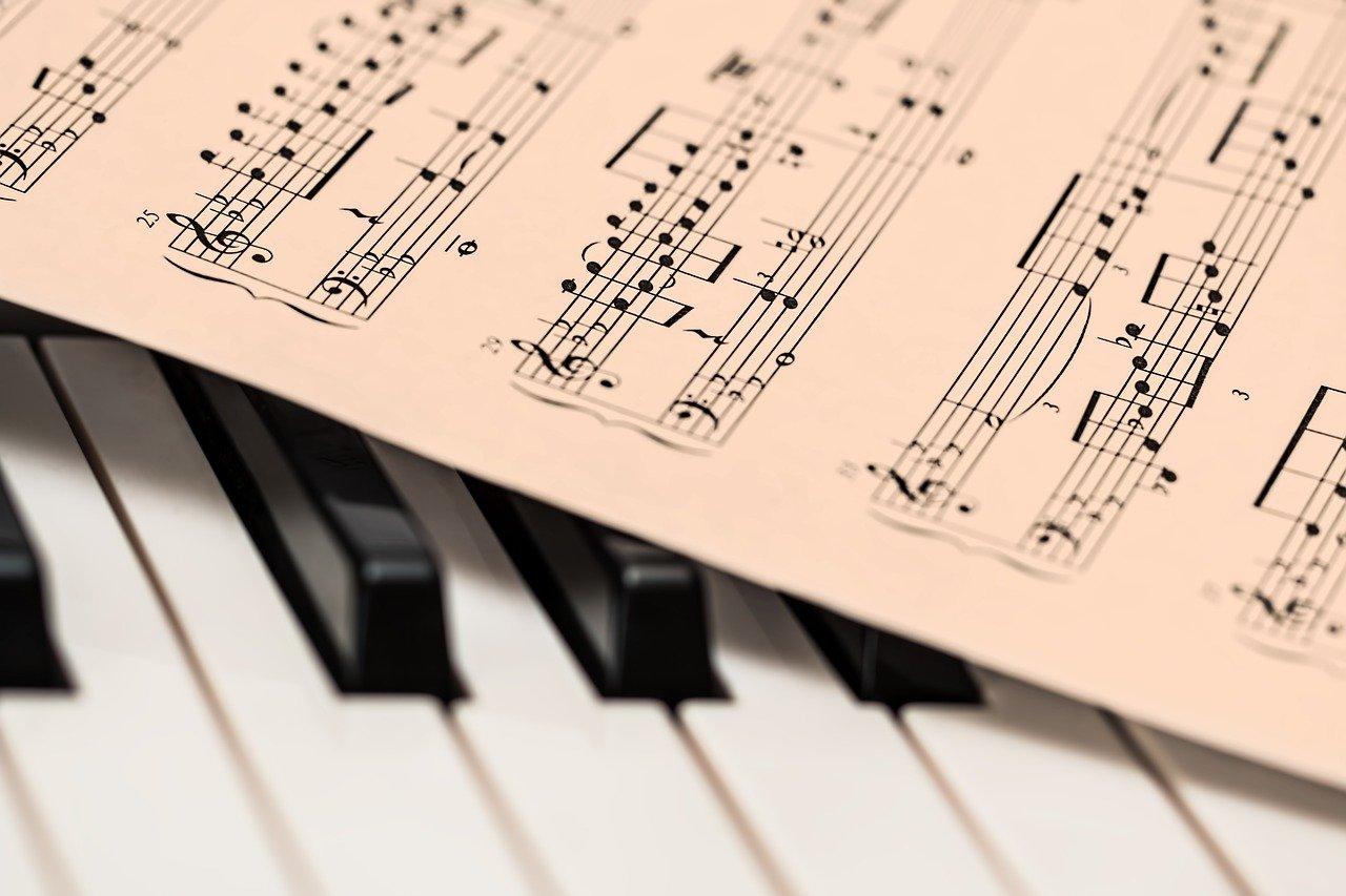 Comment apprendre à jouer d'un instrument ?
